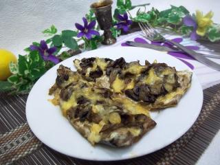 Скумбрия в маринаде, запеченная с грибами. Рецепт с фото