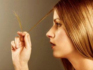 Витамины необходимо принимать для красоты волос, кожи и ногтей