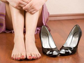 Уход за ногами: удаление мозолей и омозолелостей
