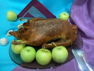 Утка с яблоками, запеченная в «рукаве» Рецепт с фото