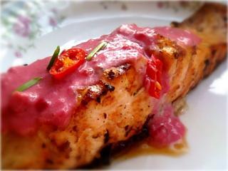 Семга с брусникой. Вкусный рецепт блюда из рыбы и морепродуктов.<br>Второе блюдо
