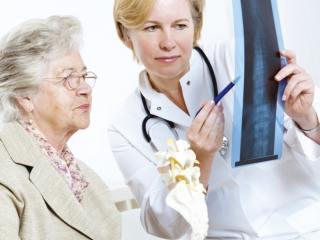 Остеопороз: причины, симптомы, лечение