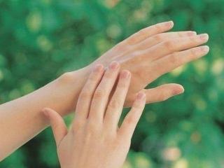 Как сохранить руки молодыми: рецепты для омолаживания кожи рук
