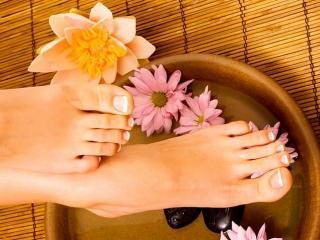 Уход за ногами: ванночки для ног от трещин на пятках, натоптышей