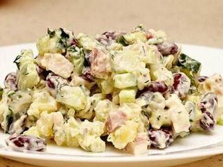 Во всем разнообразии салатов оливье рецепт с мясом занимает особое место.