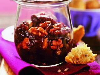 Сливовое повидло с грецкими орехами