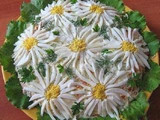Мясной салат «Ромашка»