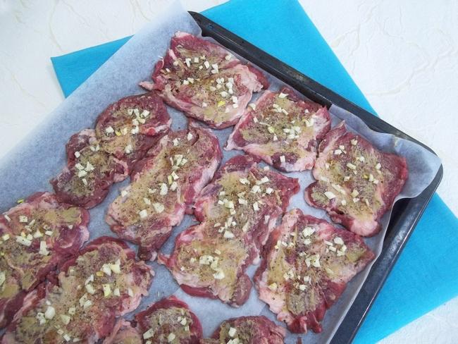 Вкусное блюдо из свинины для повседневного и праздничного меню