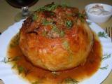 Капустный кочан, фаршированный куриным фаршем с овощами