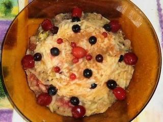 Яблочно-брусничный салат