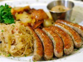 Жареные свиные колбаски