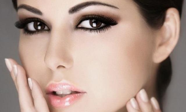 Макияж для карих глаз и светлых волос фото пошагово
