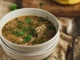 Пряный суп с грецкими орехами
