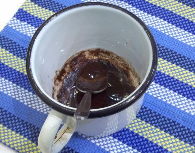 Для приготовления конфет подойдут разные орехи - кешью, фундук, миндаль, сухофрукты, а также можно использовать любой шоколад - молочный, белый или черный.