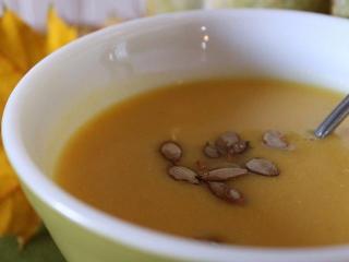 Ореховый суп с фруктами