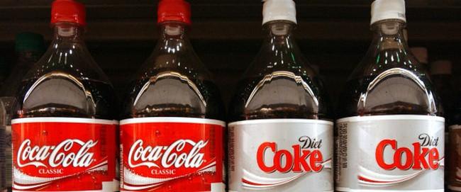 На сегодняшний день рекорд по высоте фонтана из кока-колы составляет 9 метров