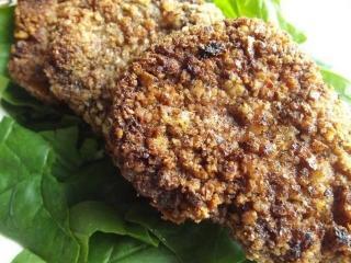 Мясо в ореховой панировке