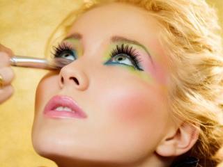 Праздничный макияж к 8 марта: советы стилистов