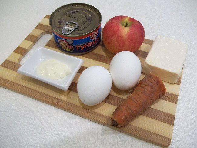 Сыр, морковь и яблоки придают блюду легкость, мягкость и очень нежный вкус.