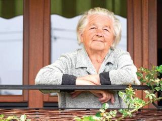 Старики и дети: причины старческой вредности