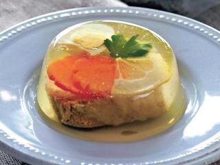 Сазан заливной фаршированный. Праздничные рецепты блюд из рыбы.