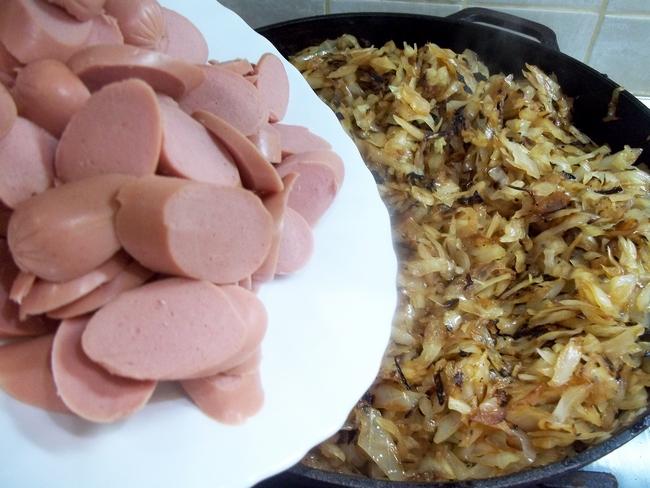 Это блюдо является прекрасным способом просто и, главное, дешево накормить семью, причем все останутся довольными.