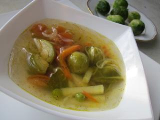 Овощной суп с сельдереем и брюссельской капустой