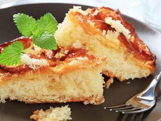 Манник на кефире с яблоками - вкусный и простой рецепт пирога.