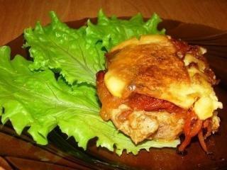 Свинина, запеченная с корейской морковью, сыром и майонезом