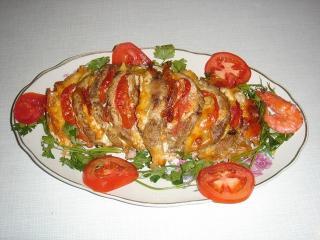 Мясо слоеное с овощами и зеленью